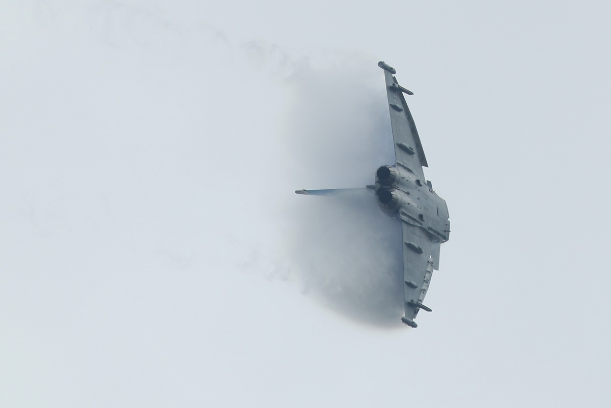 A Eurofighter Typhoon of the German Luftwaffe flies at the ILA 2016 Berlin Air Show on June 1, 2016, in Schoenefeld, Germany. (Sean Gallup/Getty Images)