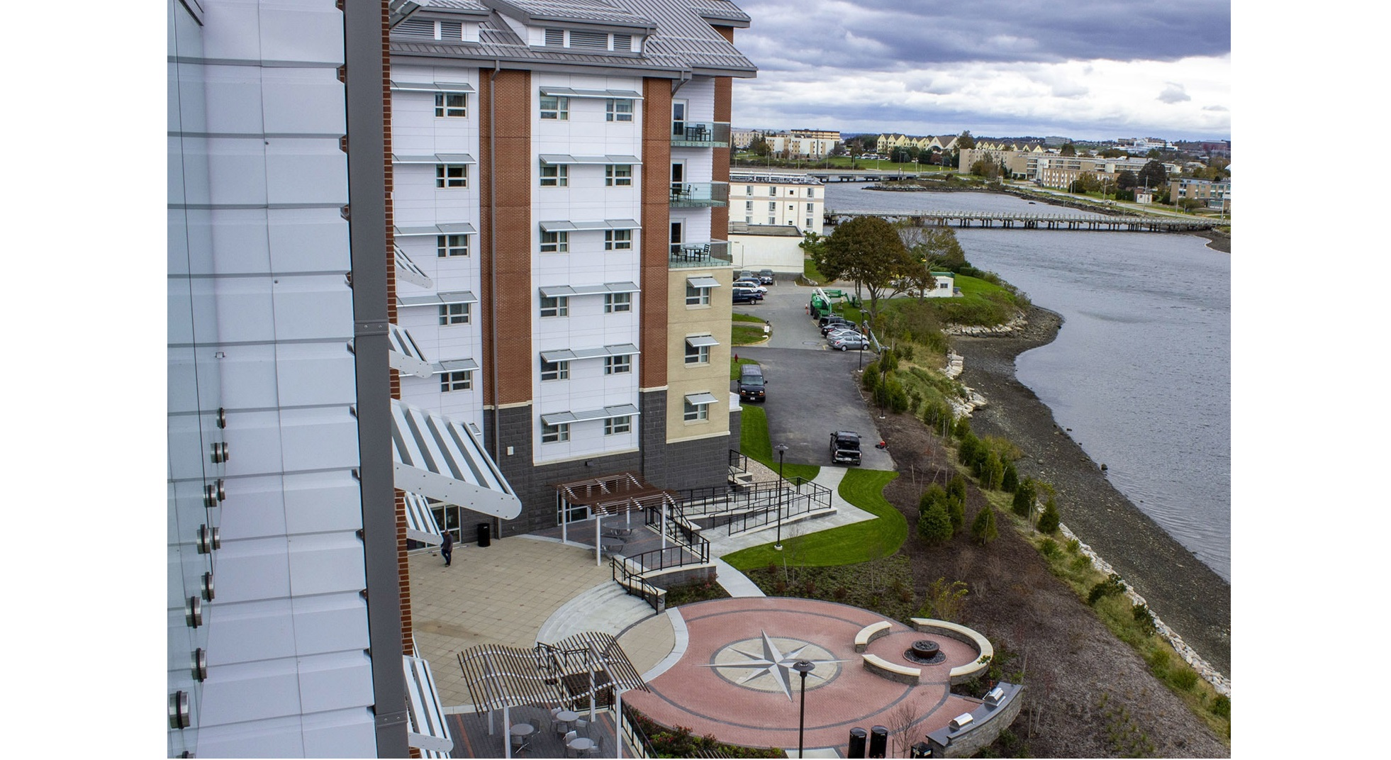 A view of the Navy Gateway Inns & Suites transient lodging facility on Naval Station Newport, R.I. The Navy is moving toward privatizing all of its lodging. (MC2 Rawad Madanat/Navy)