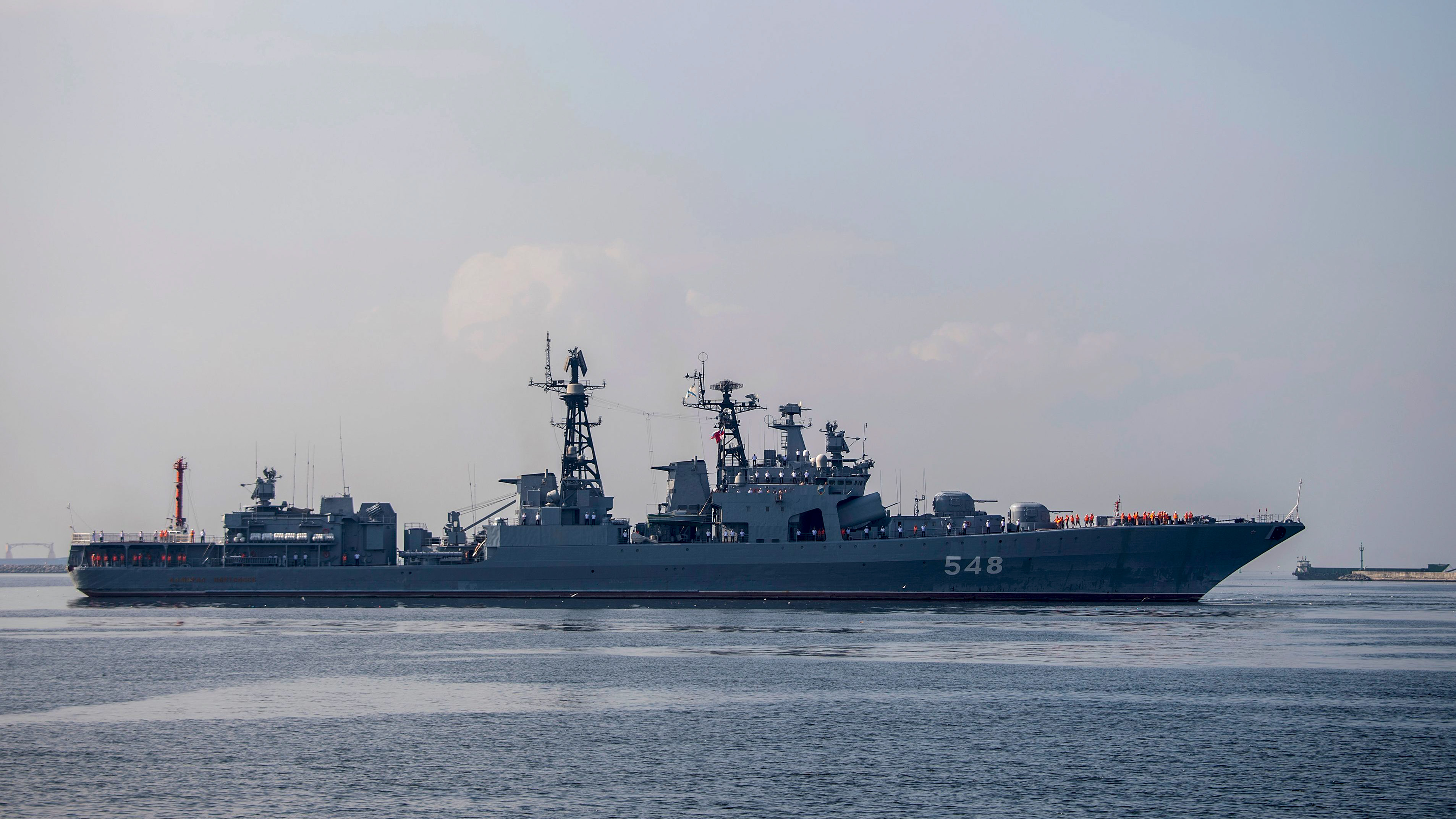 The Russian Navy large anti-submarine ship Admiral Panteleyev arrives at the port in Manila on January 6, 2019 for a five-day goodwill visit to the Philippines. (NOEL CELIS/AFP/Getty Images)