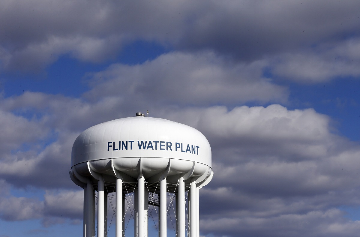A federal watchdog is calling on the Environmental Protection Agency to strengthen its oversight of state drinking water systems in the wake of the lead crisis in Flint, Michigan. (Carlos Osorio/AP)