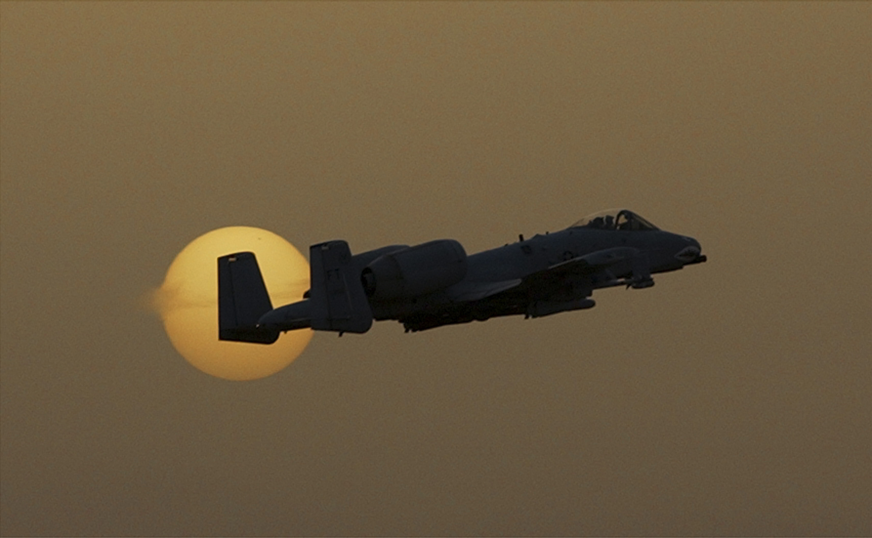 An A-10 conducts flight operations from an undisclosed middle eastern air base, flying towards Iraq in support of coalition forces on Saturday March 29, 2003. (Alan Lessig/Air Force Times)
