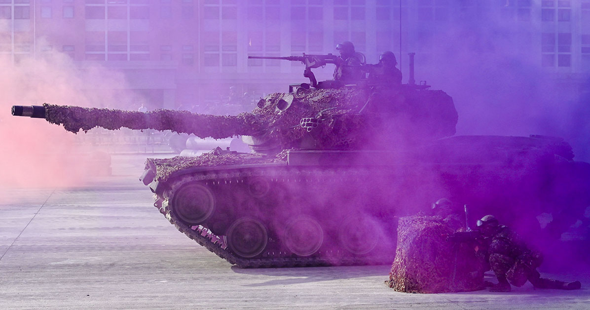 Taiwanese soldiers operate a CM-11 battle tank during an exercise at a military base in Kaohsiung, southern Taiwan on January 15, 2020. (Photo by SAM YEH/AFP via Getty Images)