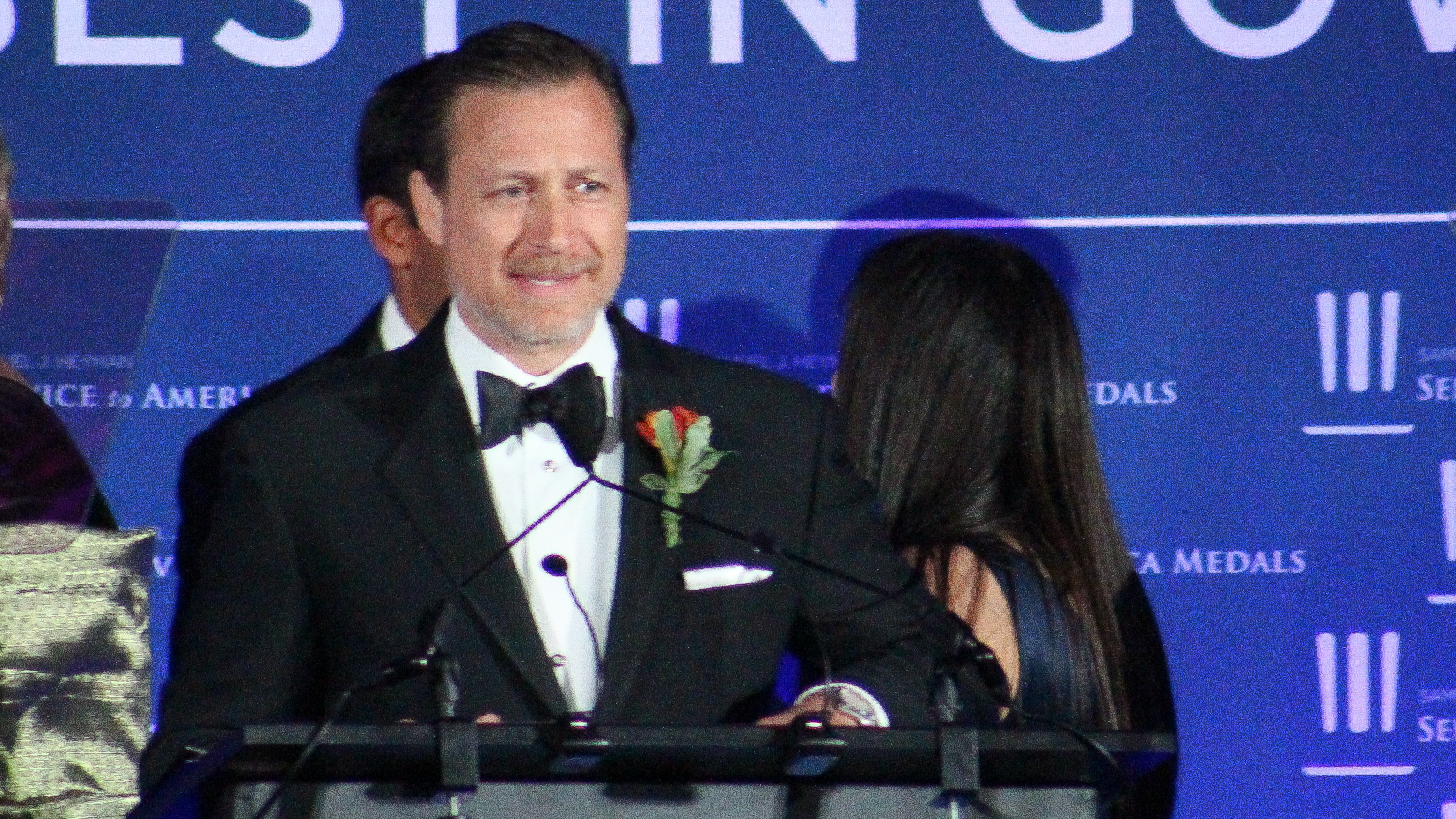Andrew Herscowitz, coordinator for Power Africa at the U.S. Agency for International Development, accepts the National Security and International Affairs Medal at the 2018 Sammies Gala. (Jessie Bur/Staff)