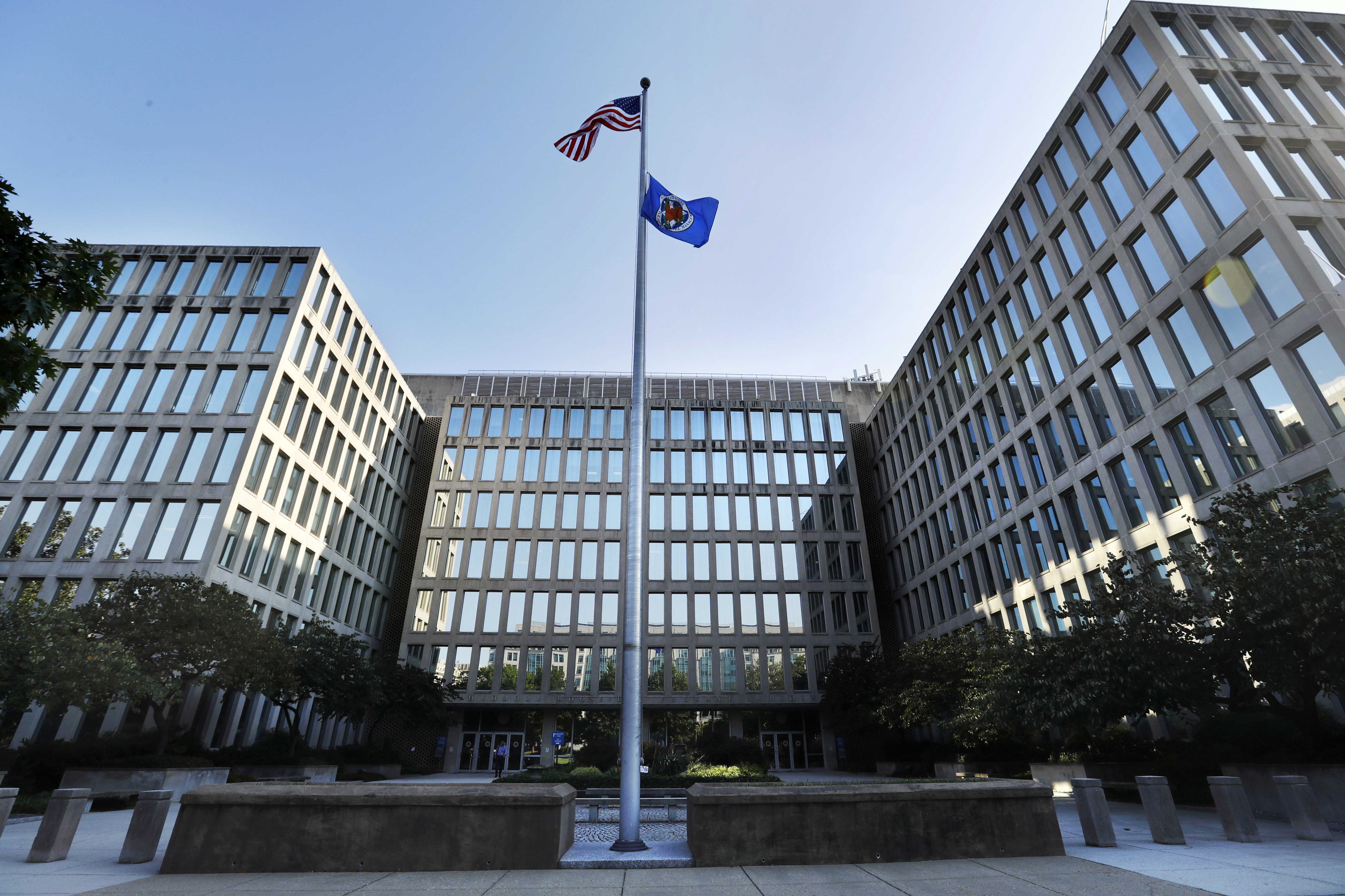 OPM issues hiring memo to fill federal IT positions