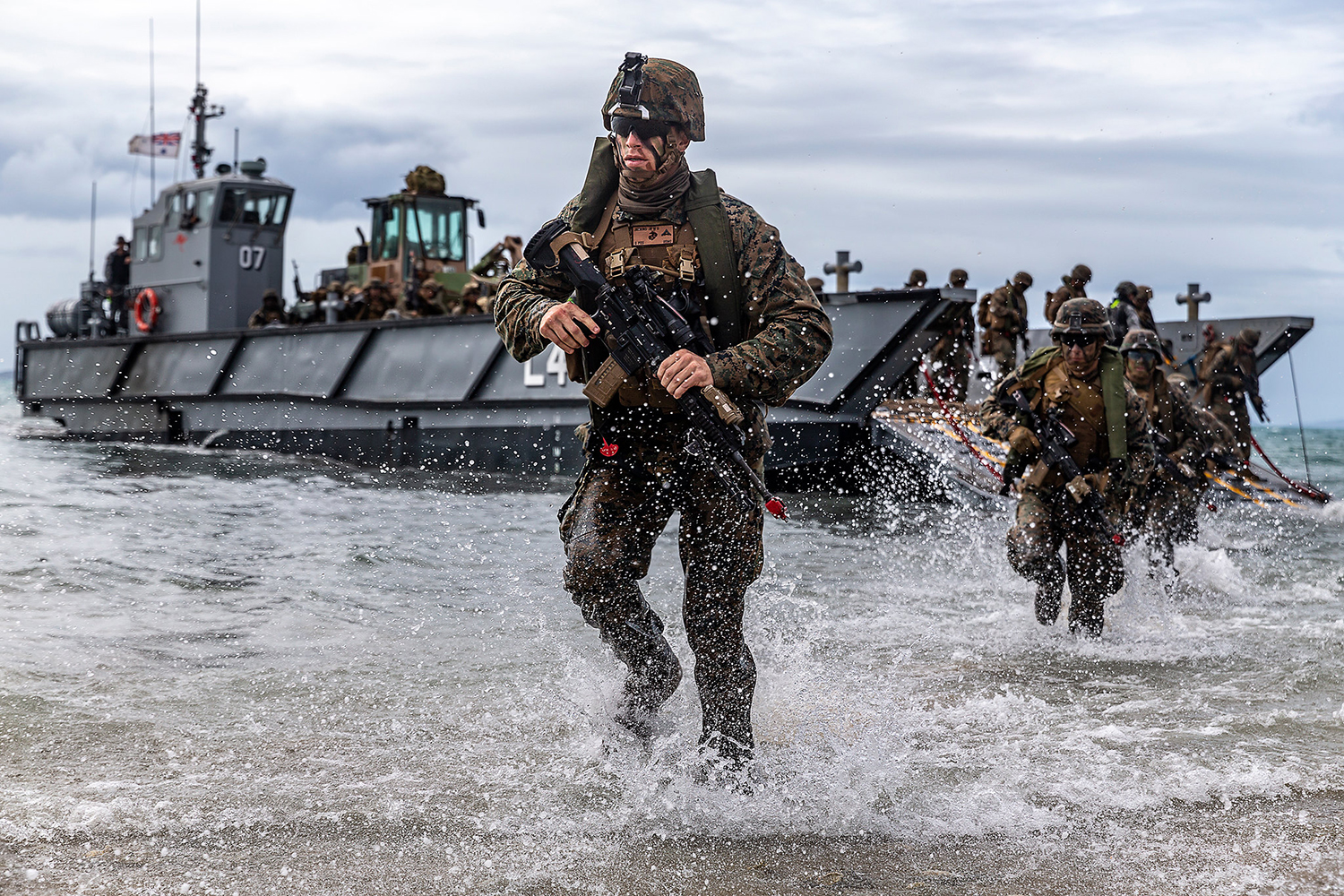U.S. Marines conduct a simulated amphibious assault of exercise during Talisman Sabre 19 in Bowen, Australia, July 22, 2019. (Lance Cpl. Tanner D. Lambert/Marine Corps)