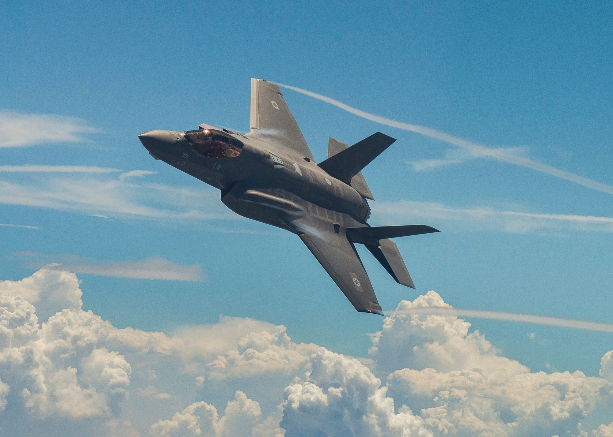 Pentagon, Lockheed reach agreement on F-35 contract for 90 jets