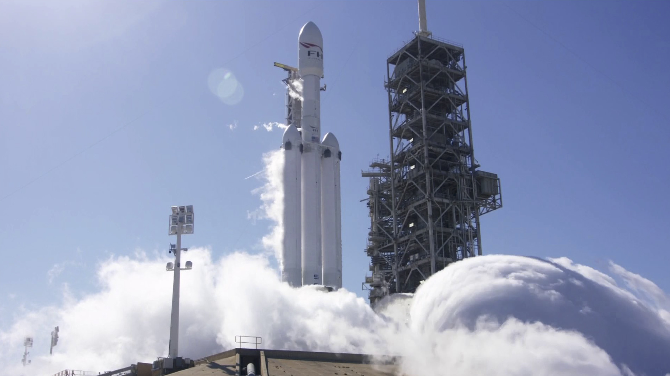 SpaceX's Falcon Heavy rocket may mean big savings for DoD