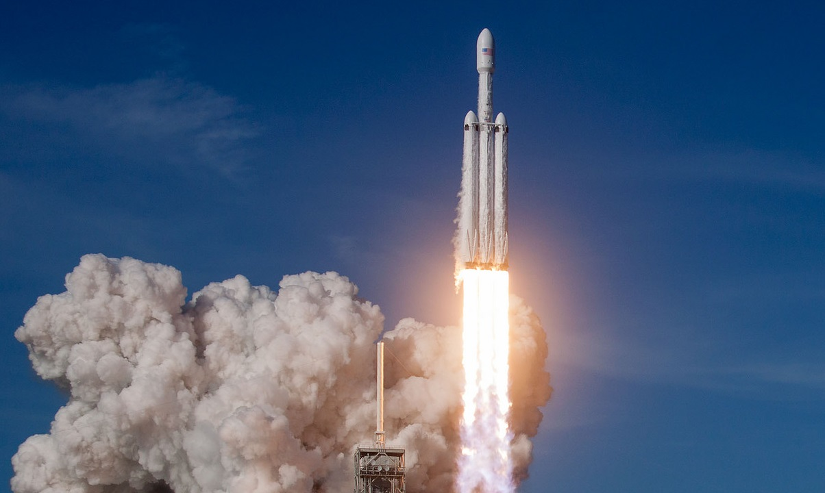 Here's what the SpaceX Falcon Heavy launch means for the satellite industry