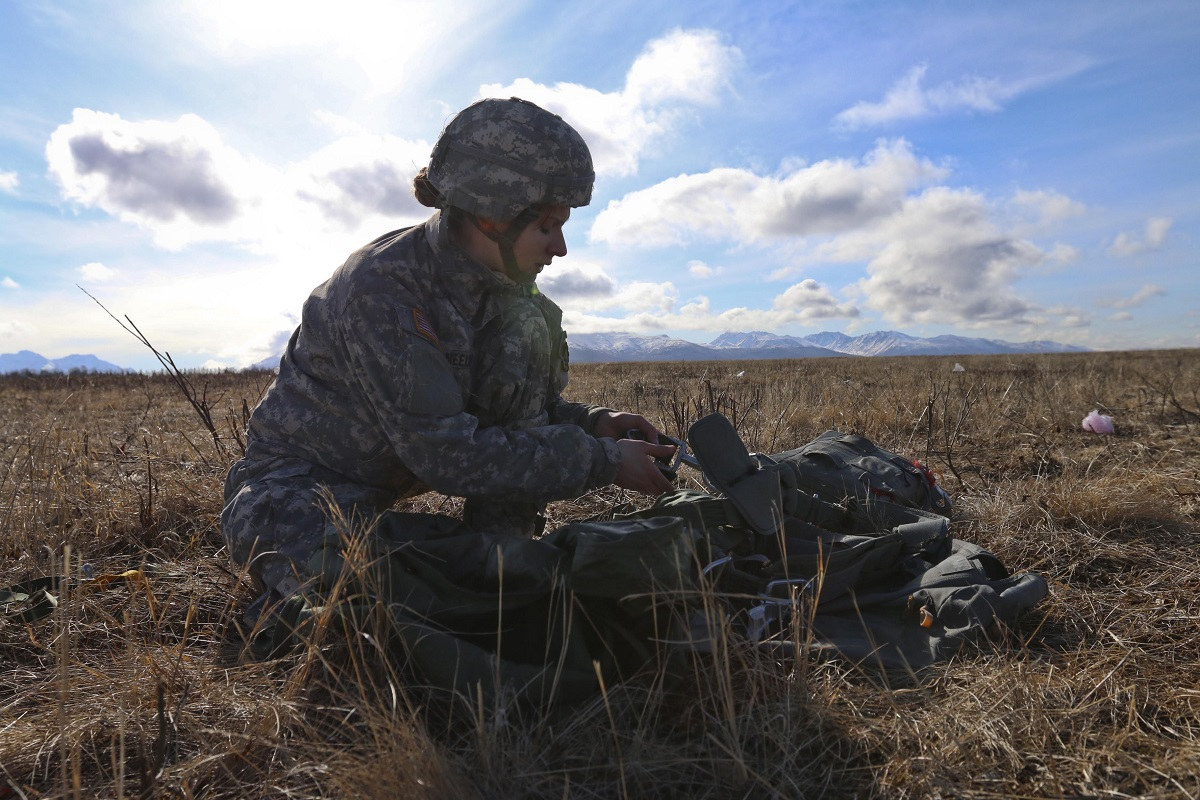 Commentary: The Army should publicly recognize women who earn the Expert Infantryman Badge