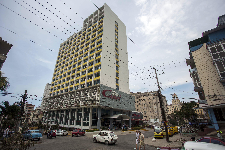New details deepen mystery of US diplomats' illness in Cuba