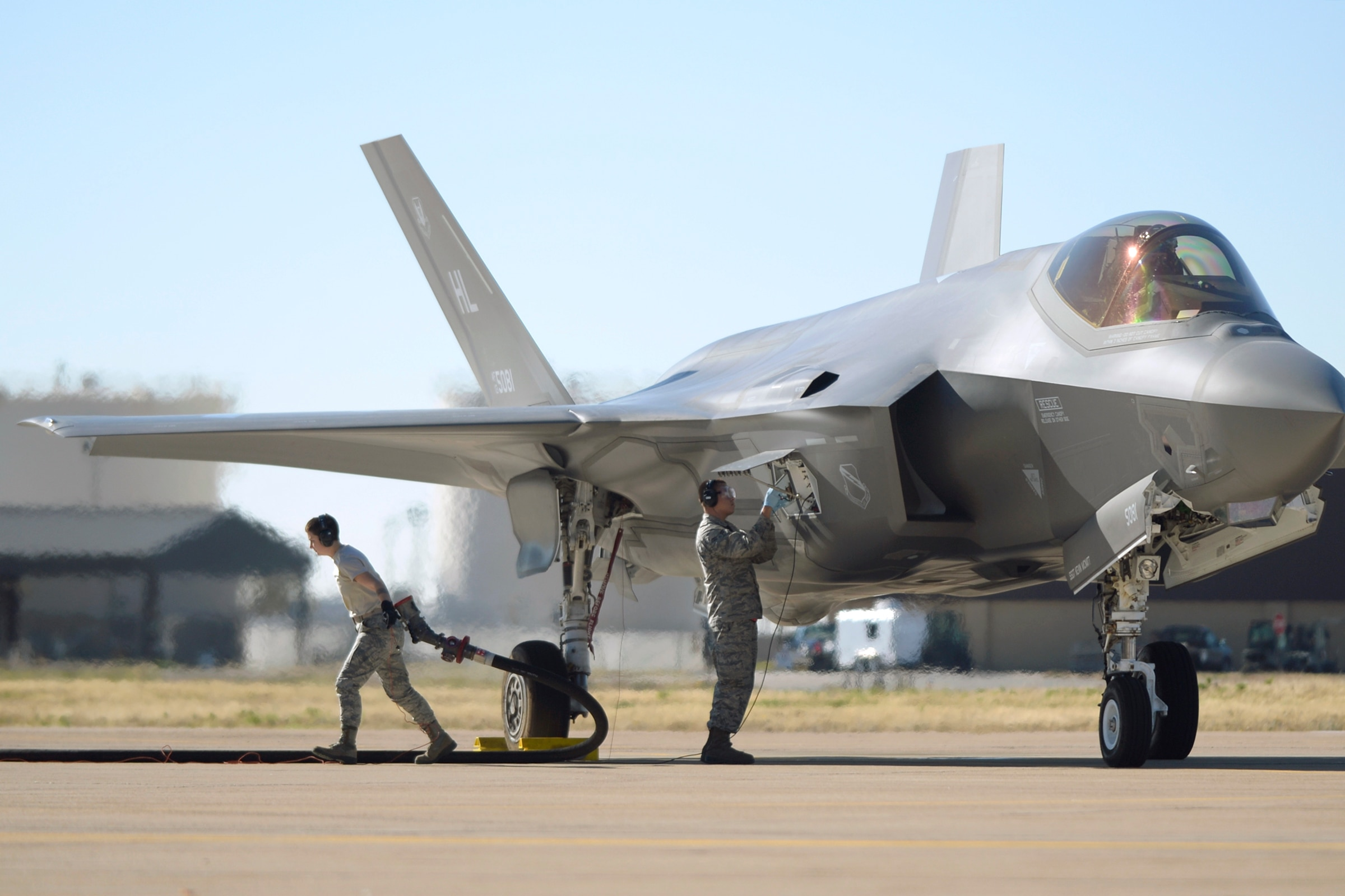 Raytheon pushes GBU-49 as quick fix to give F-35 ability to hit moving targets