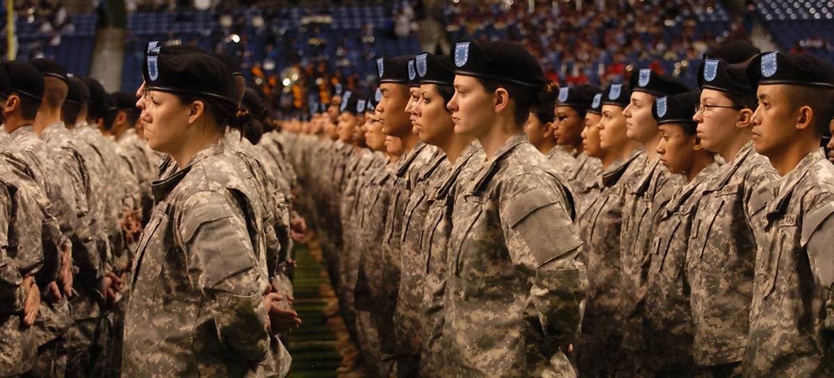 New U.S. soldiers take the oath of enlistment during the opening ceremonies at the U.S. Army All American Bowl in the Alamodome in San Antonio, Texas, Jan. 7, 2012. (Army Sgt. 1st Class Scott Turner/DoD)