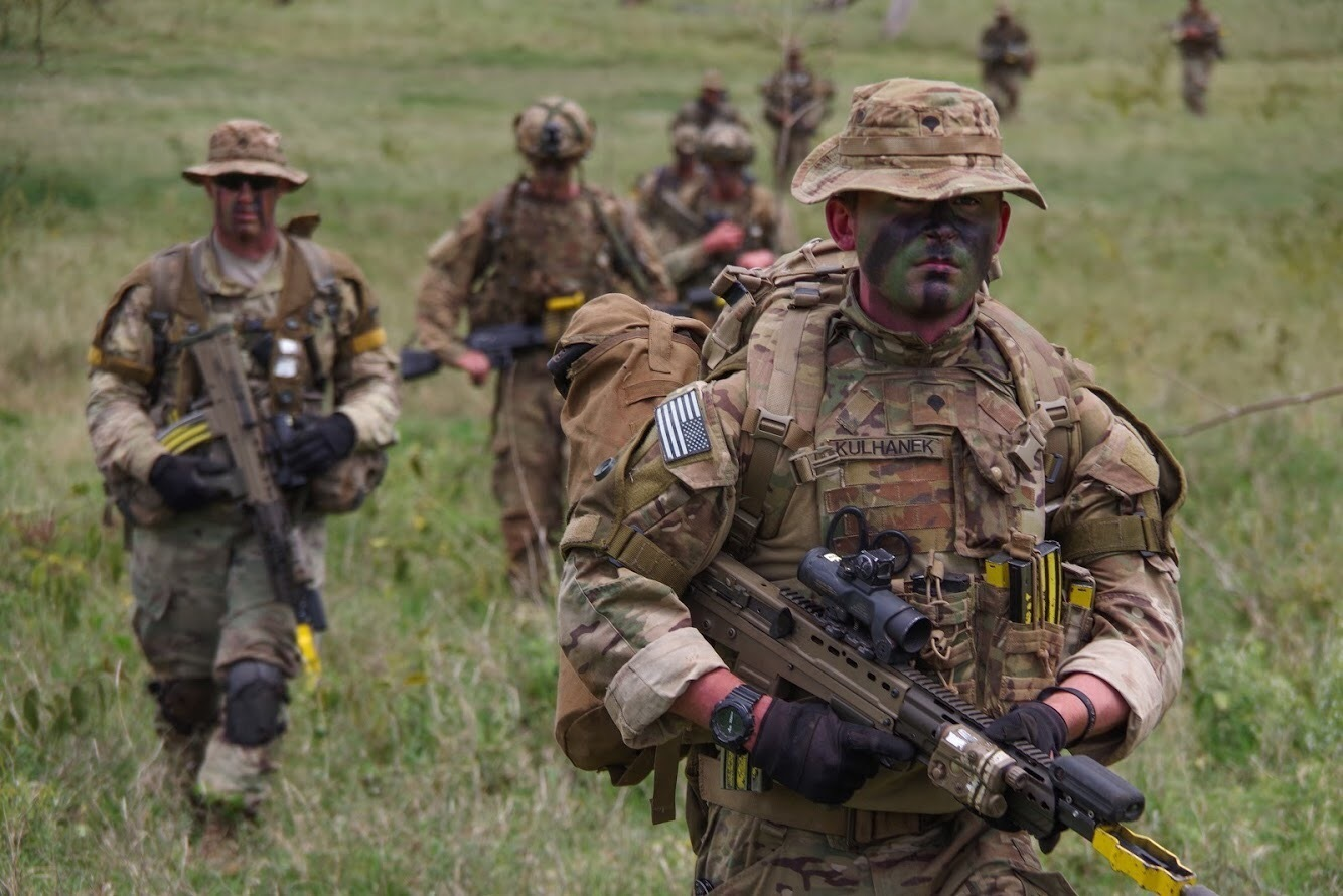 U.S. and British paratroopers conduct a training patrol Nov. 28, 2018, in Kenya. The training scenario was part of Operation Askari Storm, a multinational training exercise occurring in Kenya, Africa between U.S., British and other partner-nation forces. (Spc. John Lytle/Army)