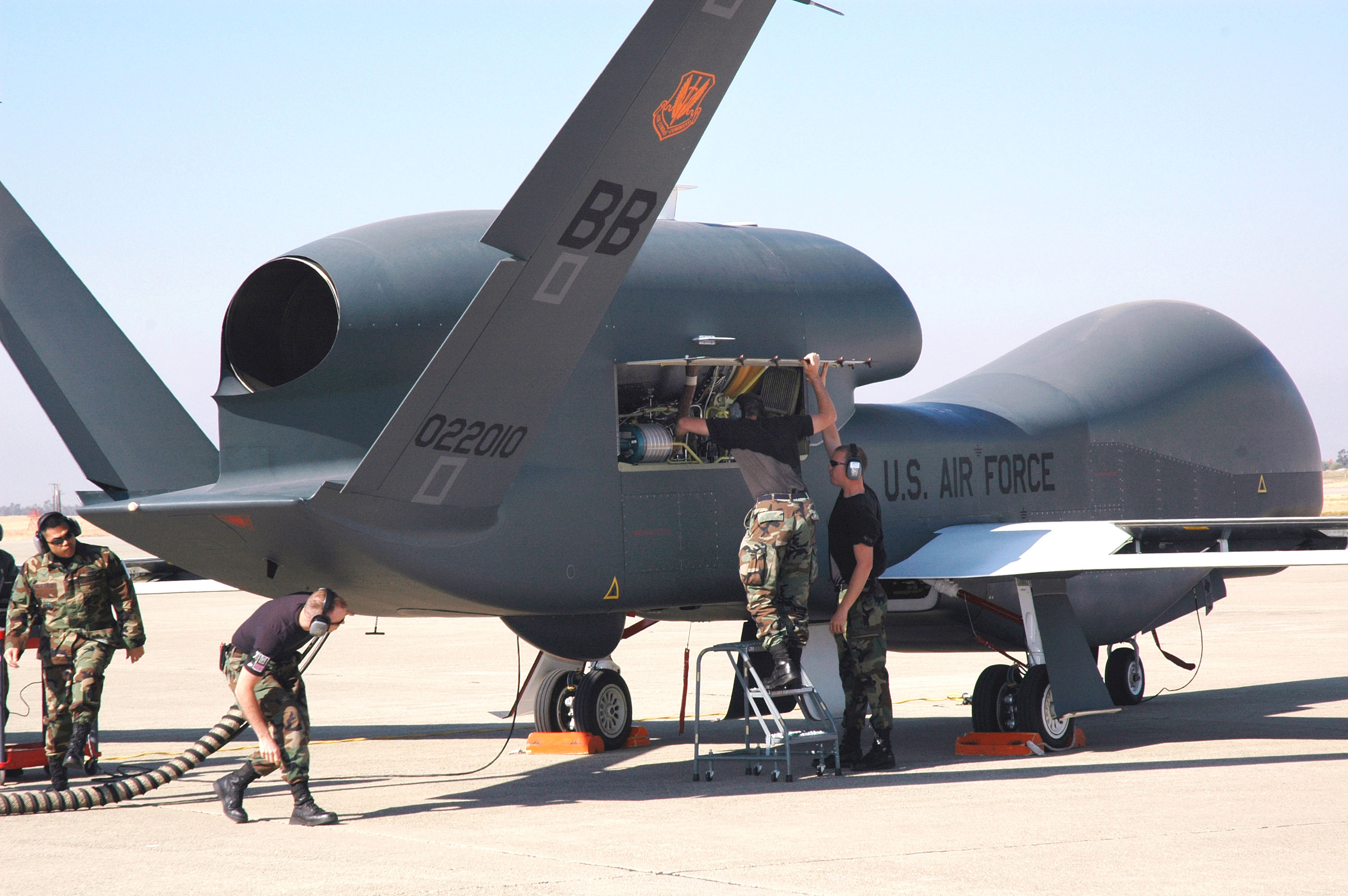 Air Force plans 100 enlisted drone pilots by 2020