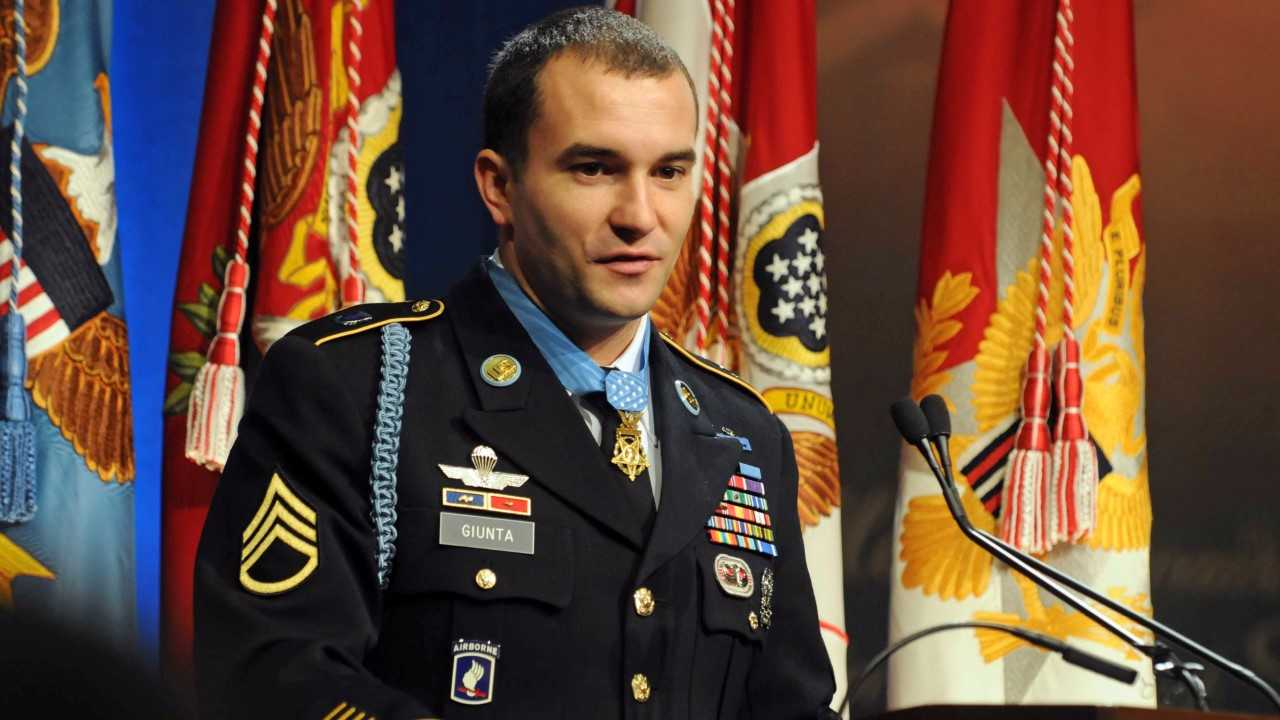 Medal of Honor recipient gives award to brigade