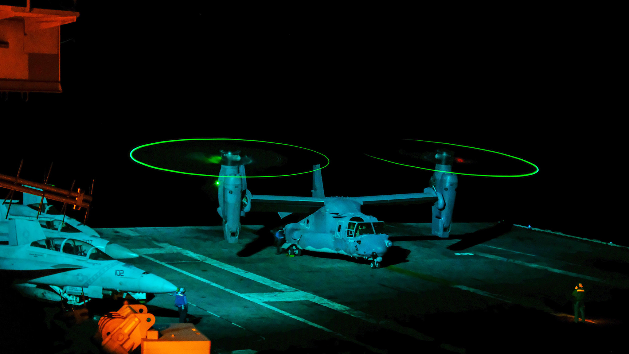 A CV-22 Osprey from the U.S. Air Force 21st Special Operations Squadron in Yokota, Japan, conducts flight operations from the flight deck of the aircraft carrier USS Ronald Reagan (CVN 76) on Aug. 22, 2019, in the Philippine Sea. (Mass Communication Specialist 1st Class Rufus Hucks/Navy)