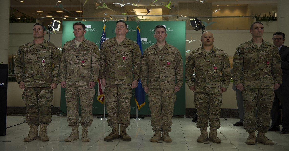 Air Force special ops surgical team on front lines of ISIS war receives Bronze Stars