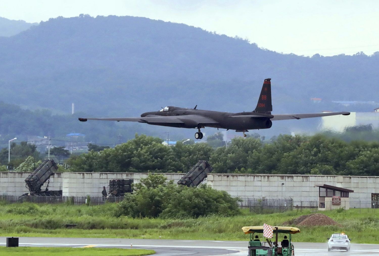 A U.S. Air Force U-2 spy plane takes off on the runway at the Osan U.S. Air Base in Pyeongtaek, South Korea, Aug. 21, 2017. (Lee Sang-hack/Yonhap via AP)