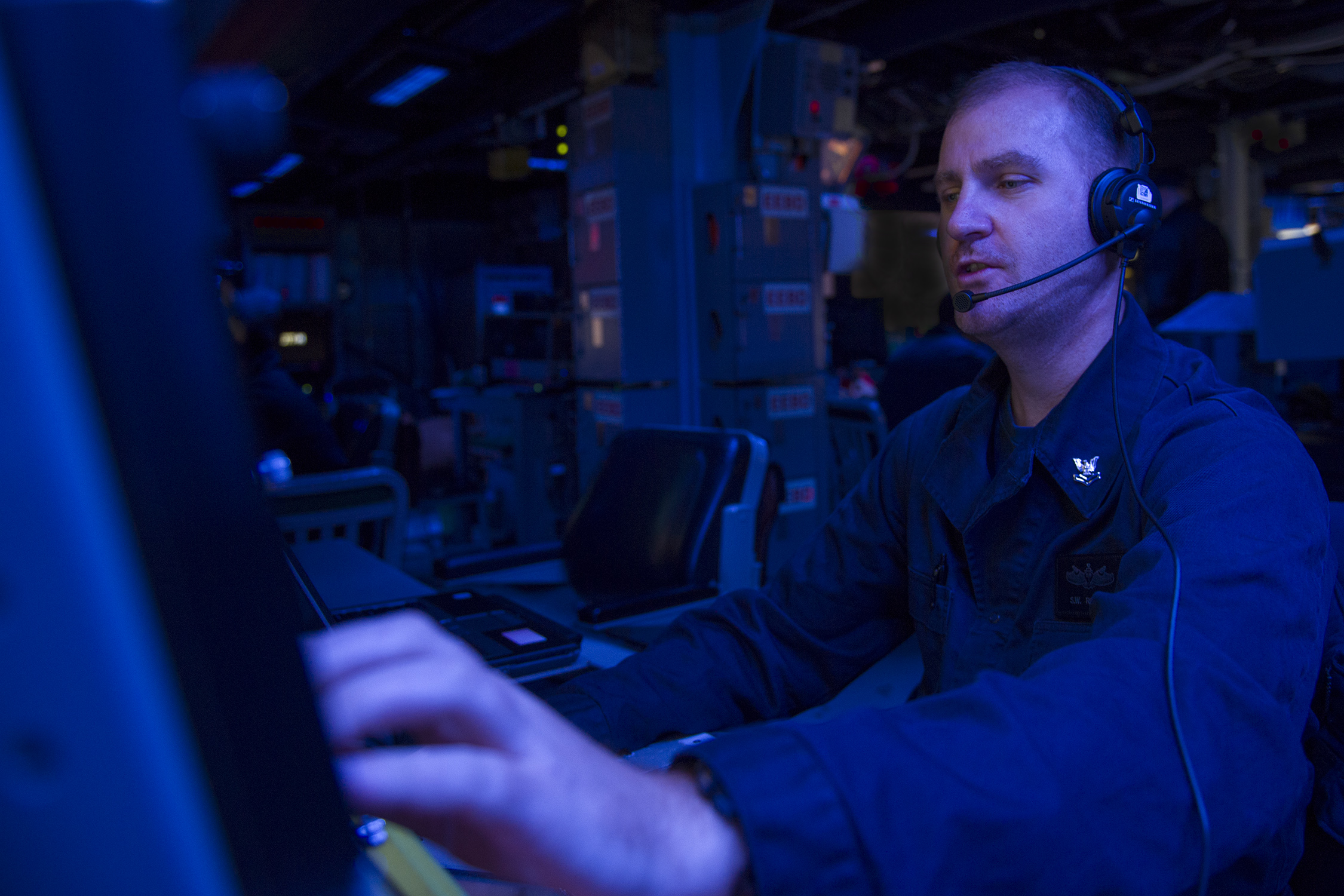 U.S. Navy boss: Network everything