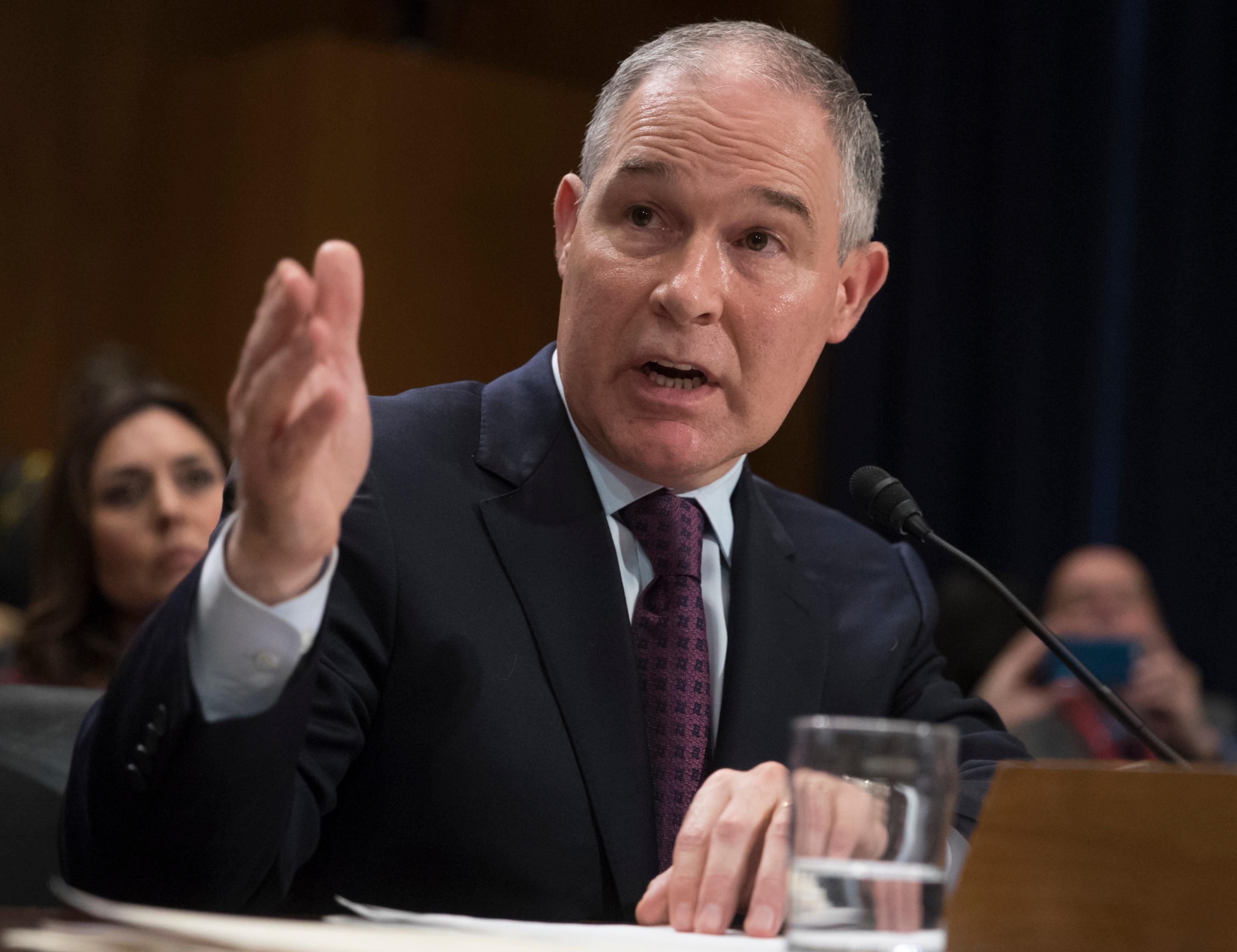 Pruitt guts EPA science panels, will appoint new members