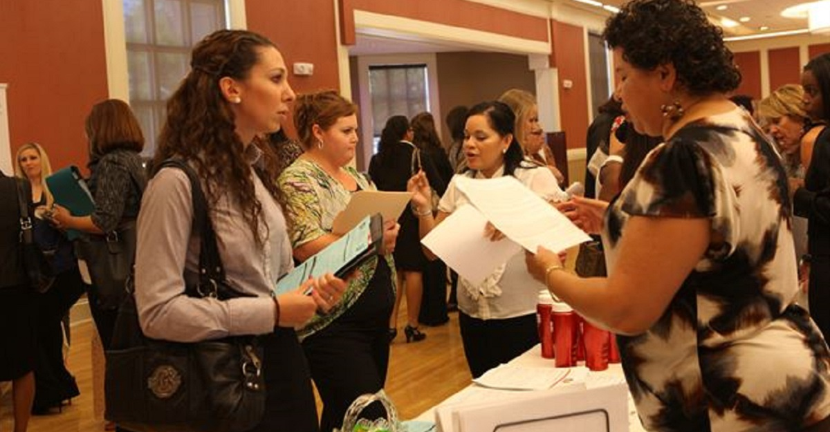 A Blue Star Families program collects data on spouse priorities while connecting spouses with employers who understand their needs. Here, military spouses attend a job fair at Camp Lejeune, N.C. (Lance Cpl. Jackeline M. Perez Rivera/Marine Corps)