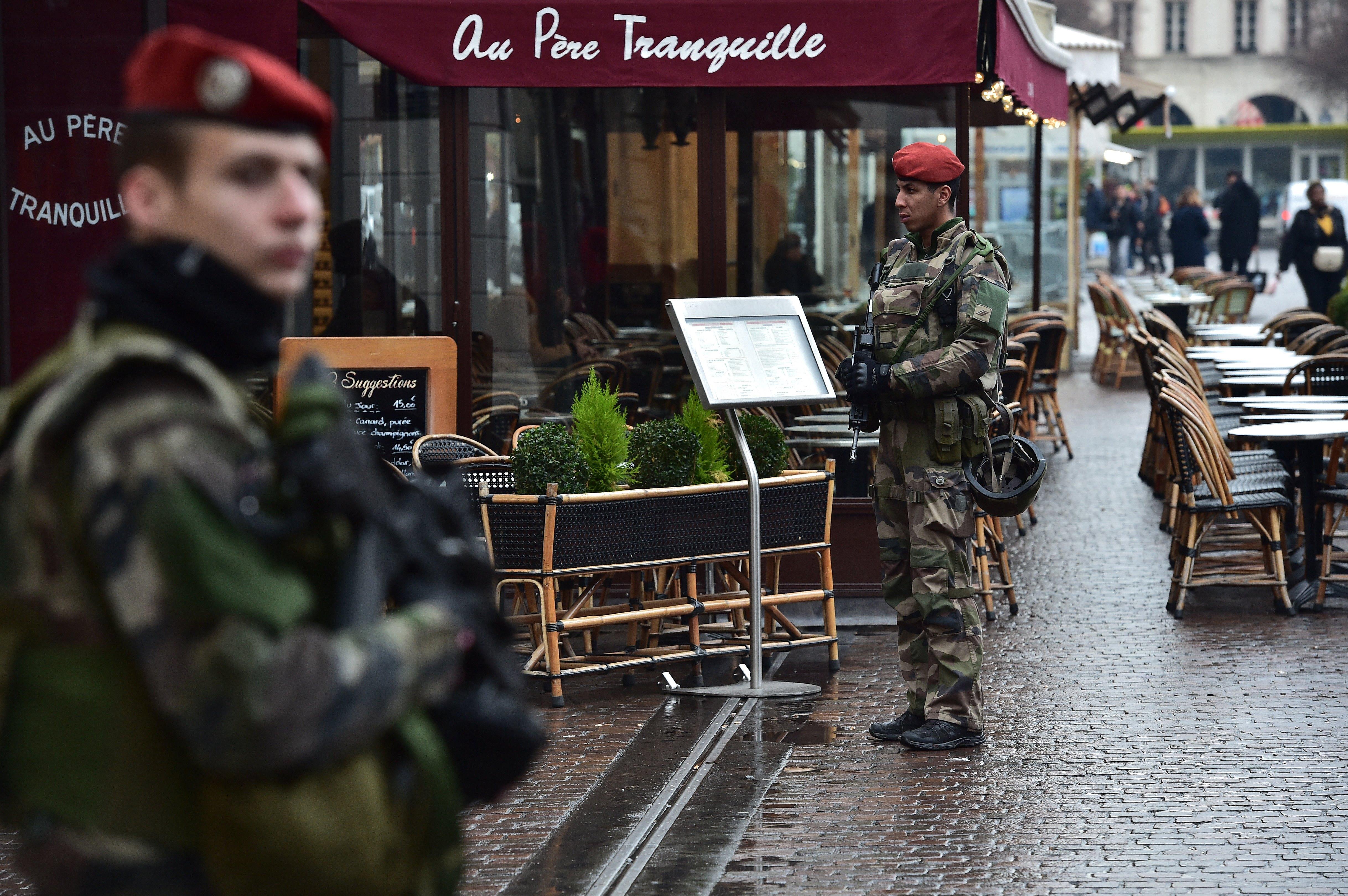 France restructuring domestic Sentinel anti-terrorism mission