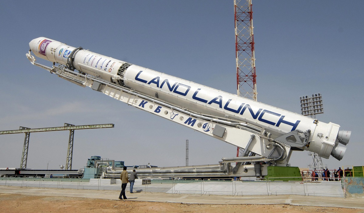 A rocket carrying an Israeli Amos-3 telecommunications satellite is installed on a launch pad at Kazakhstan's Baikonur cosmodrome on April 21, 2008. (STR/AFP via Getty Images)