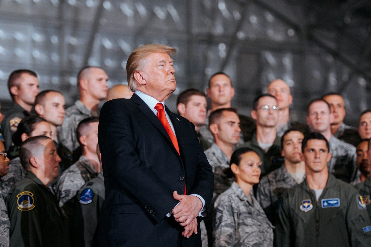 Trump's 2019 budget calls for 2.6 percent pay raise, thousands more troops