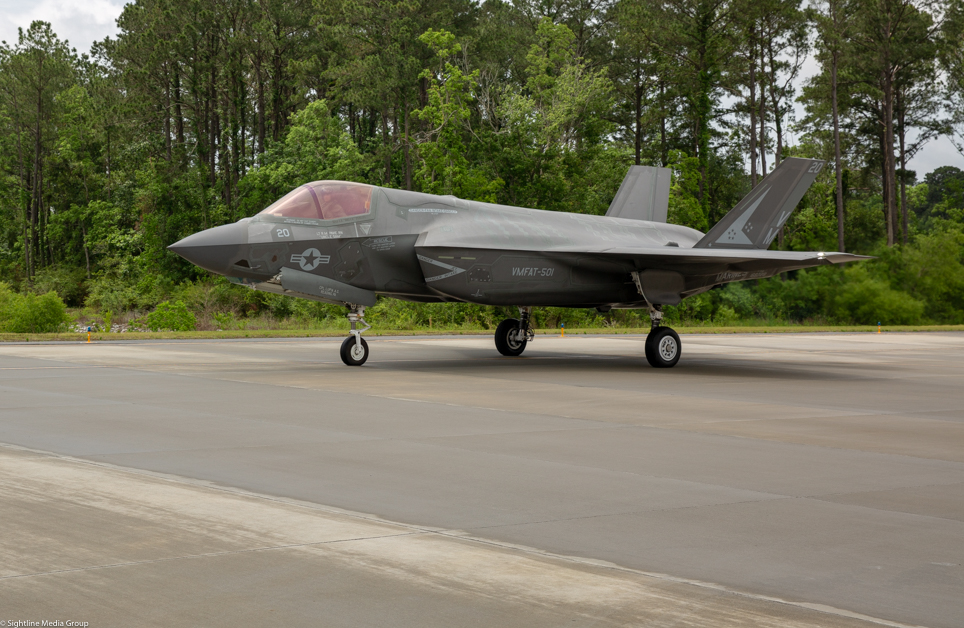 A USMC F-35B taxis at MCAS Beaufort in South Carolina before a training flight.(Jeff Martin/Staff)