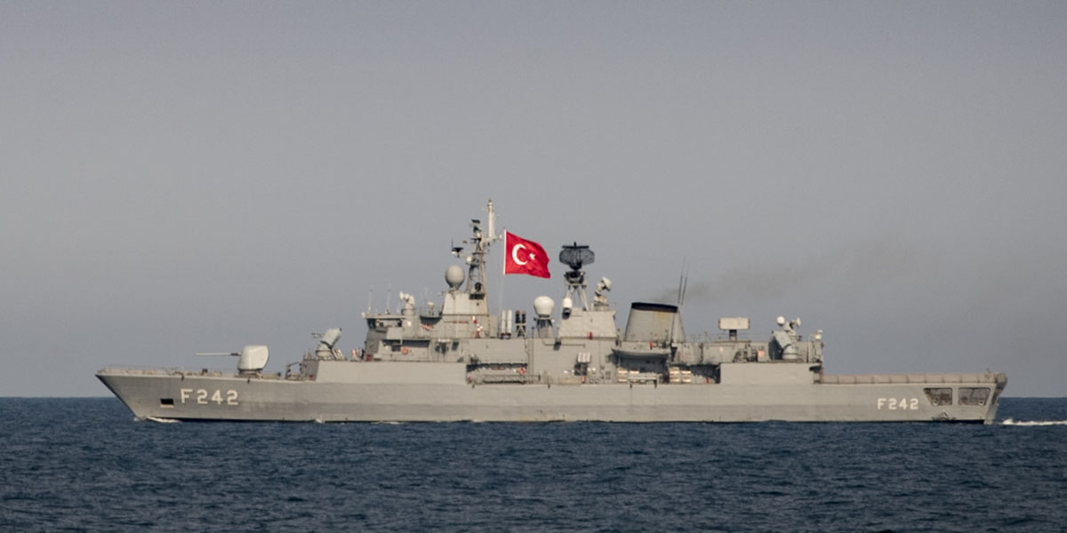 The Turkish navy Yavuz-class frigate TS Fatih underway in formation with the the guided-missile destroyer Donald Cook in the Black Sea, Feb. 22, 2019. (Mass Communication Specialist 2nd Class Ford Williams/Navy)