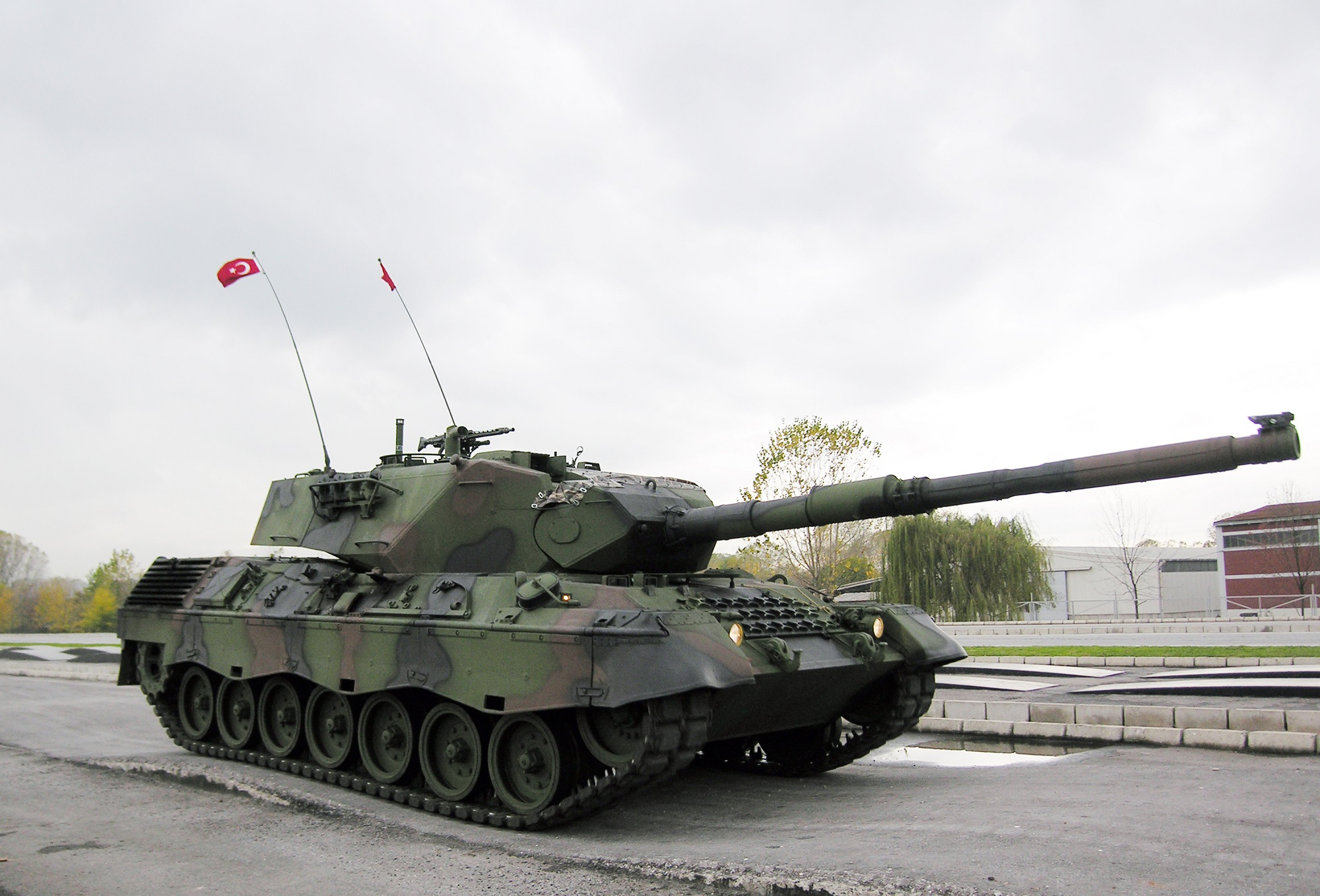 Germany on the defensive in Turkish tank row