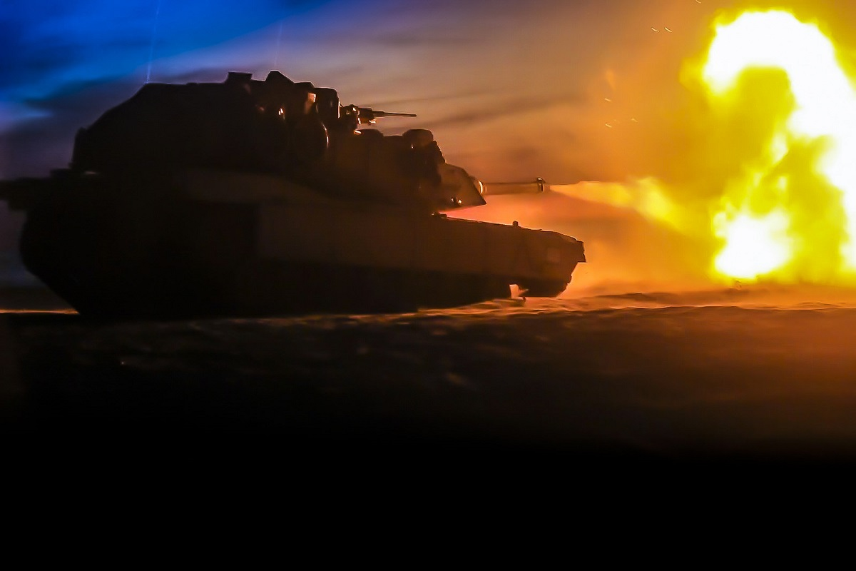 A U.S. Marine Corps M1A1 Abrams tank attached to Tank Platoon, Fox Company, Battalion Landing Team, 2nd Battalion, 6th Marine Regiment, 26th Marine Expeditionary Unit takes on a night operation in Poland as part of NATO's BALTOPS 2018 exercise. (Dengrier M. Baez/U.S. Marine Corps)