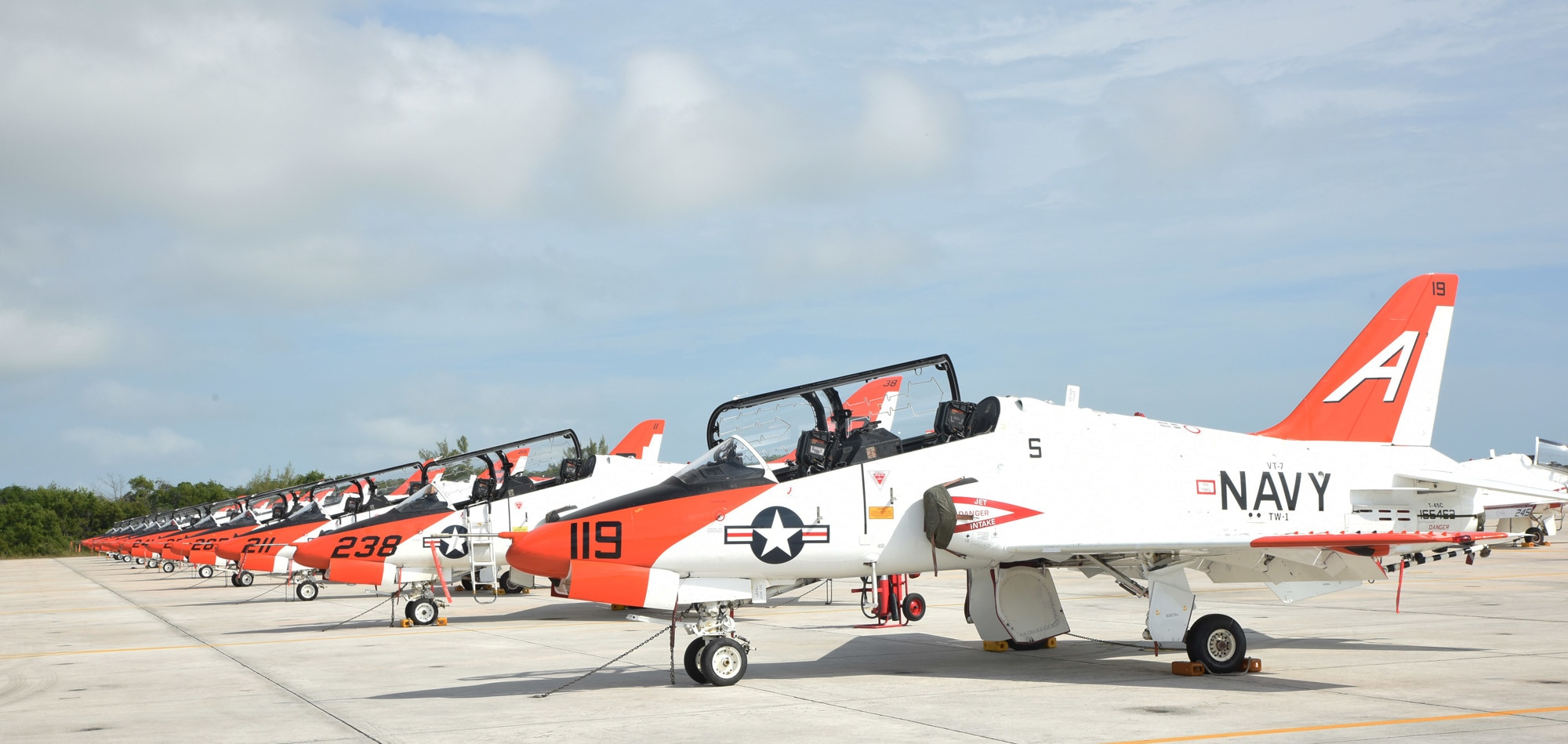 Navy ID's pilots killed in Tennessee T-45C crash