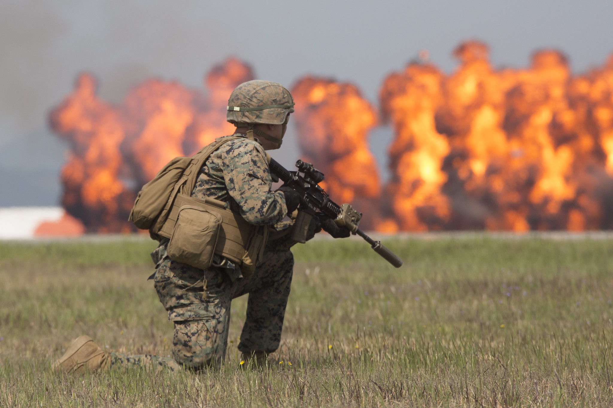 A Marine Air-Ground Task Force demonstration is conducted May 5, 2019, during the 43rd Japan Maritime Self-Defense Force – Marine Corps Air Station Iwakuni Friendship Day at MCAS Iwakuni, Japan. (Lance Cpl. Harrison Rakhshani/Marine Corps)