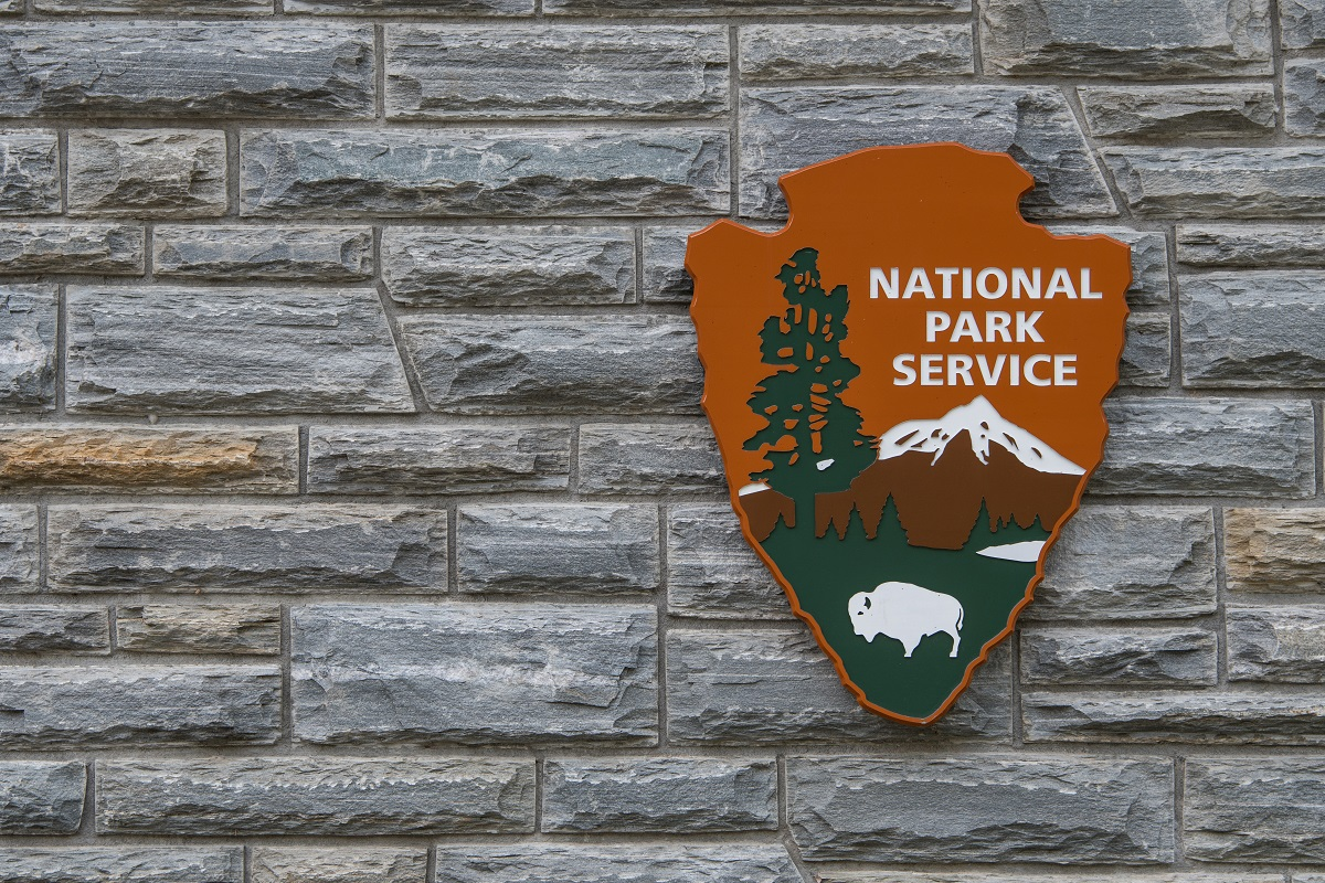 Cherokee, United States: April 16, 2017: National Park Service sign. (kellyvandellen/Getty Images)