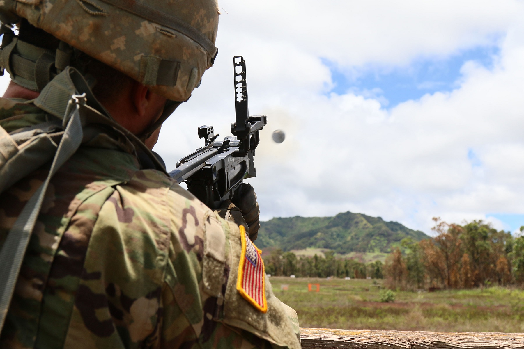 Soldiers train at Schofield Barracks, Hawaii. (Staff Sgt. Joseph Moore/Army)