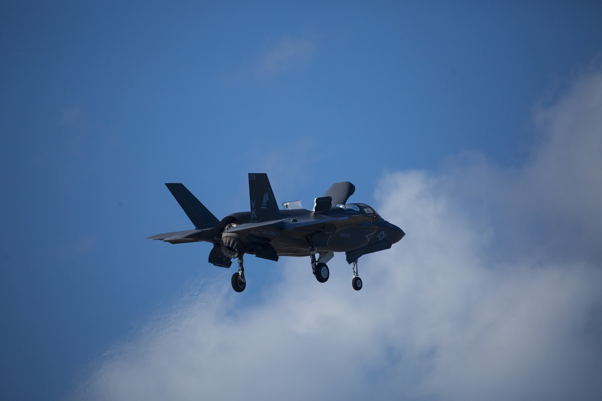 Marine F-35 pilots to perform first-ever hover landings aboard amphibious ship