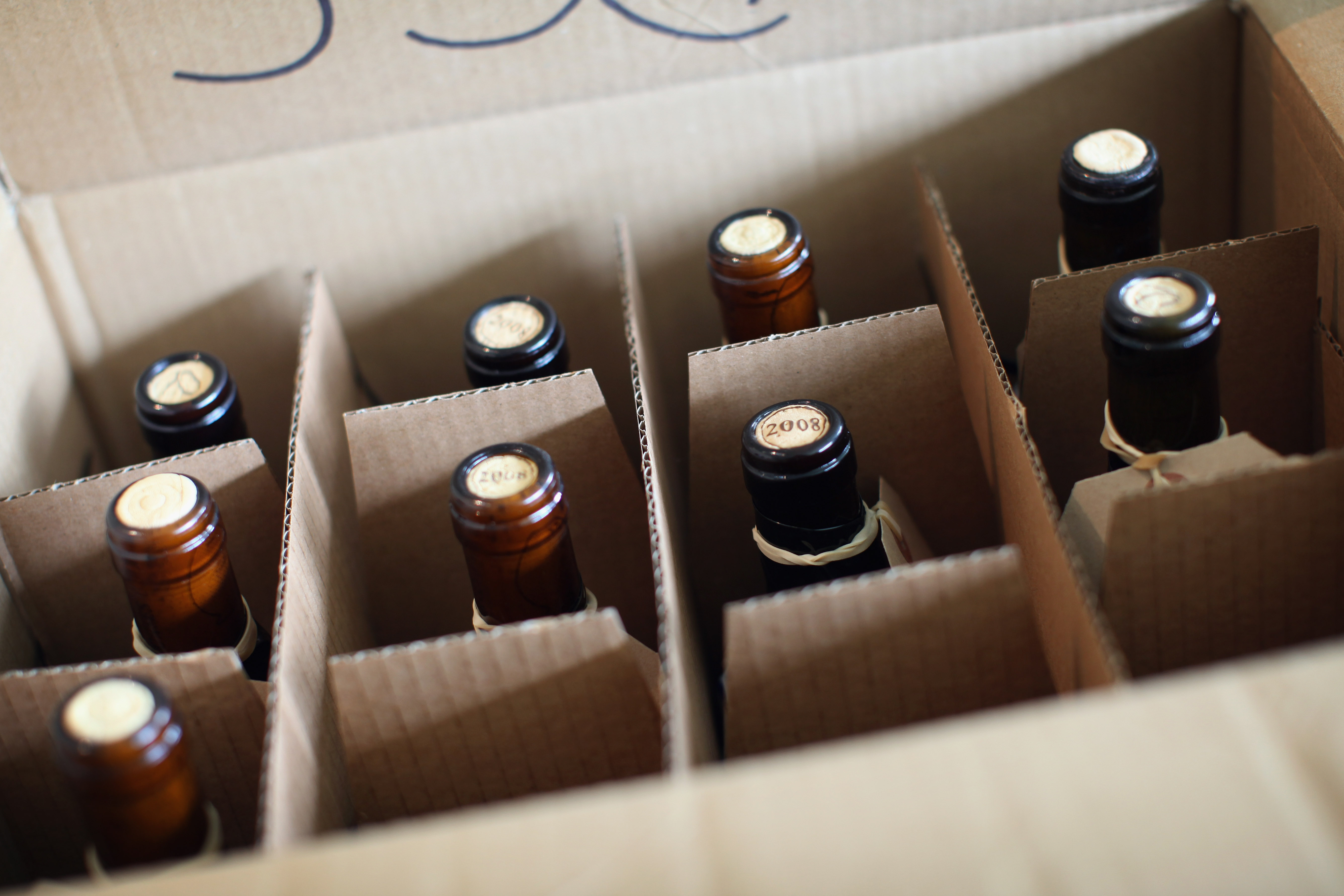 A recent change allows Marines to ship their alcoholic beverages with their household goods ― like other military members can do. (Dan Kitwood/Getty Images)