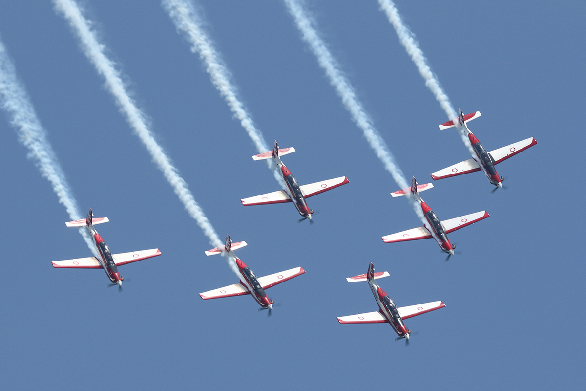 Indonesia's Jupiter aerobatic team entertains the air show attendees with its six KT-1 trainers, manufactured by Korea Aerospace Industries. (Mike Yeo/Staff)