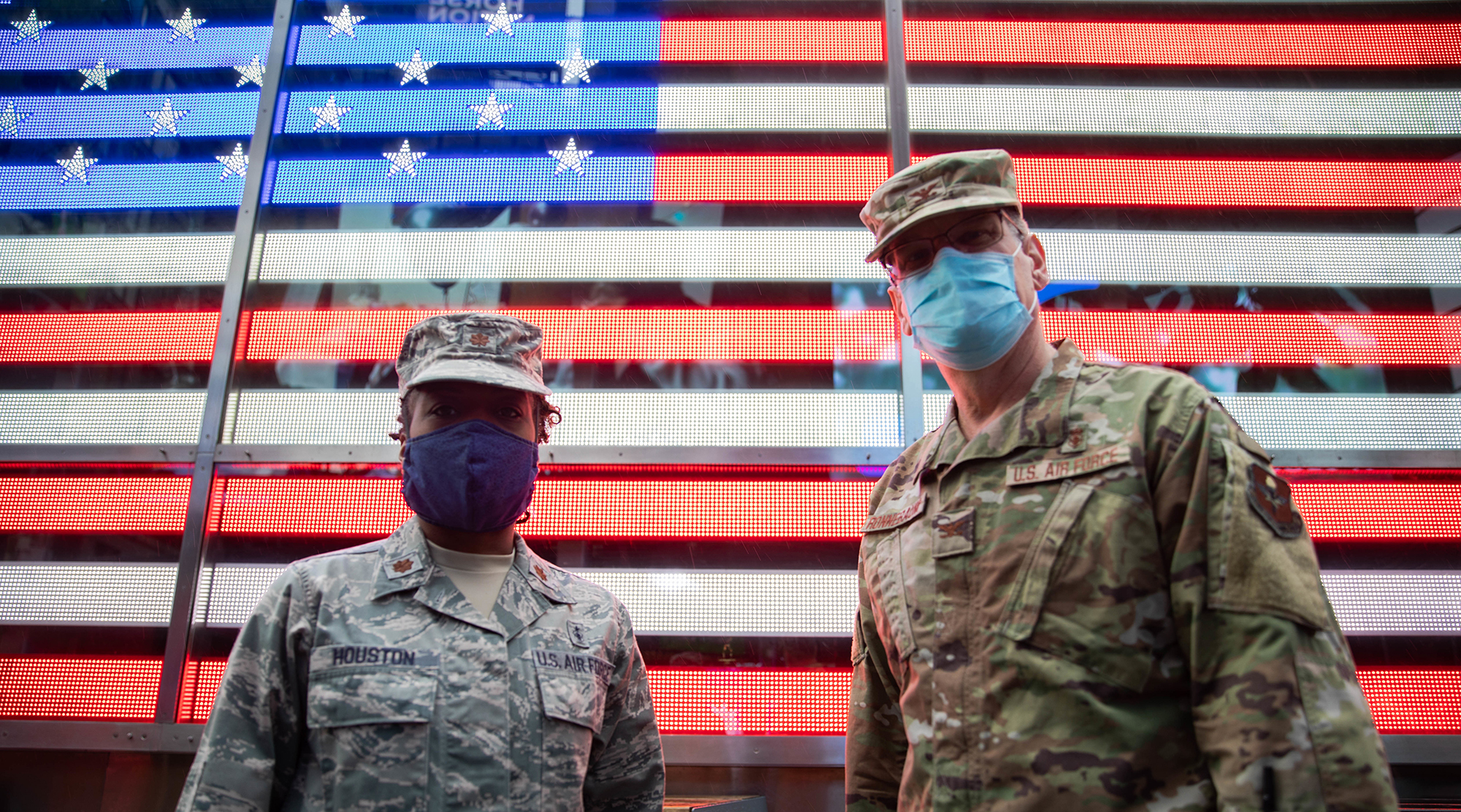 Air Force Maj. Tynikka Houston and Air Force Col. Edward Ronnebaum, both assigned to New York Health Hospitals Jacobi, are deployed to New York City in support of the Department of Defense COVID-19 response, May 8, 2020. (Spc. Genesis Miranda/Army)