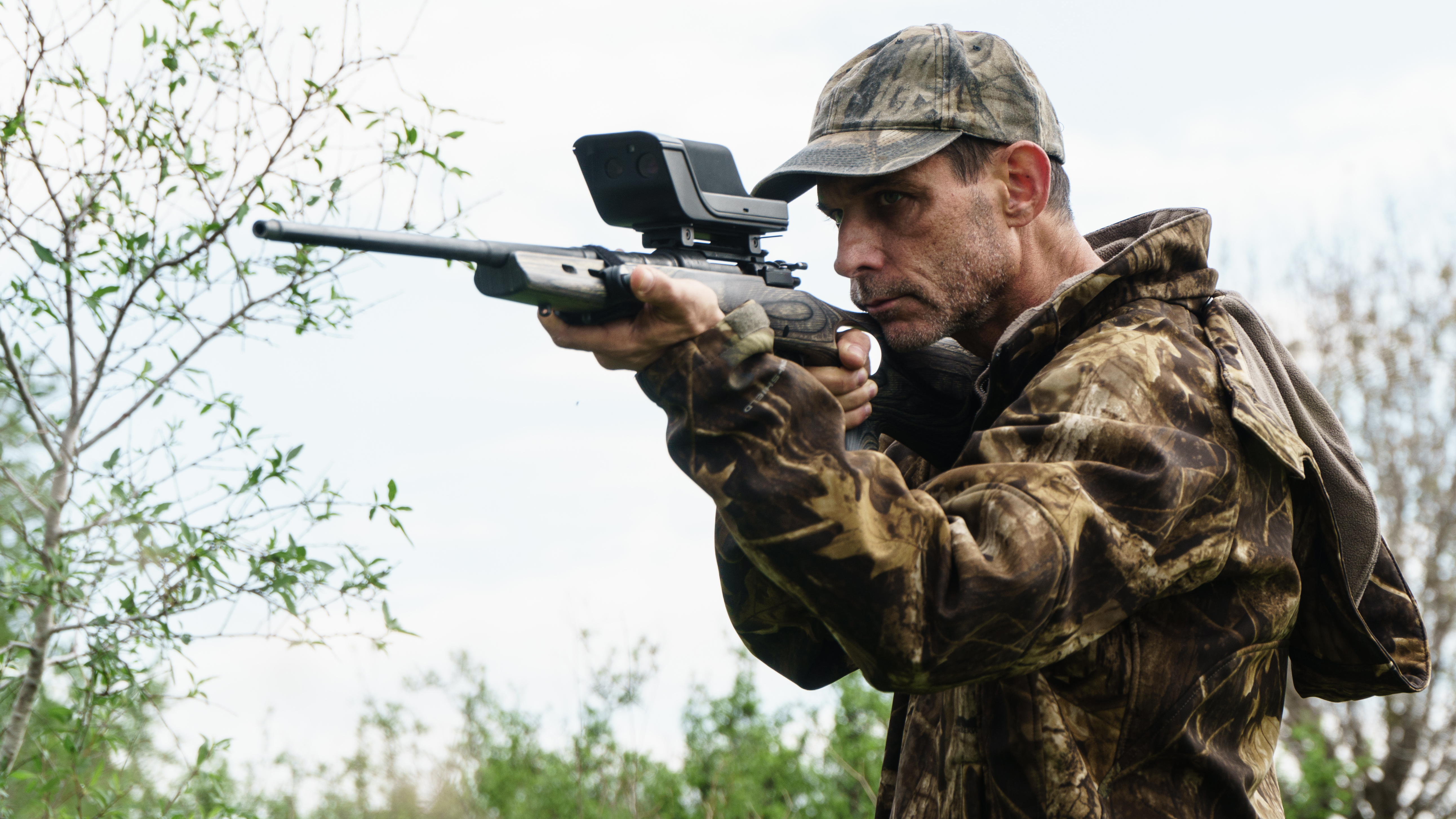Sensight's SSR400 can be mounted to any rifle with a Weaver or Picatinny rail.
