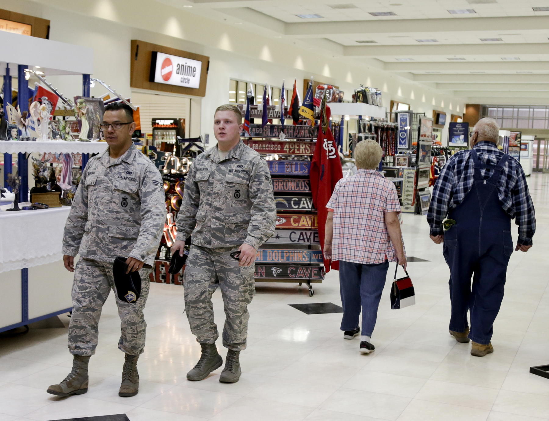 Honorably discharged veterans will soon get to shop tax-free - photo#9