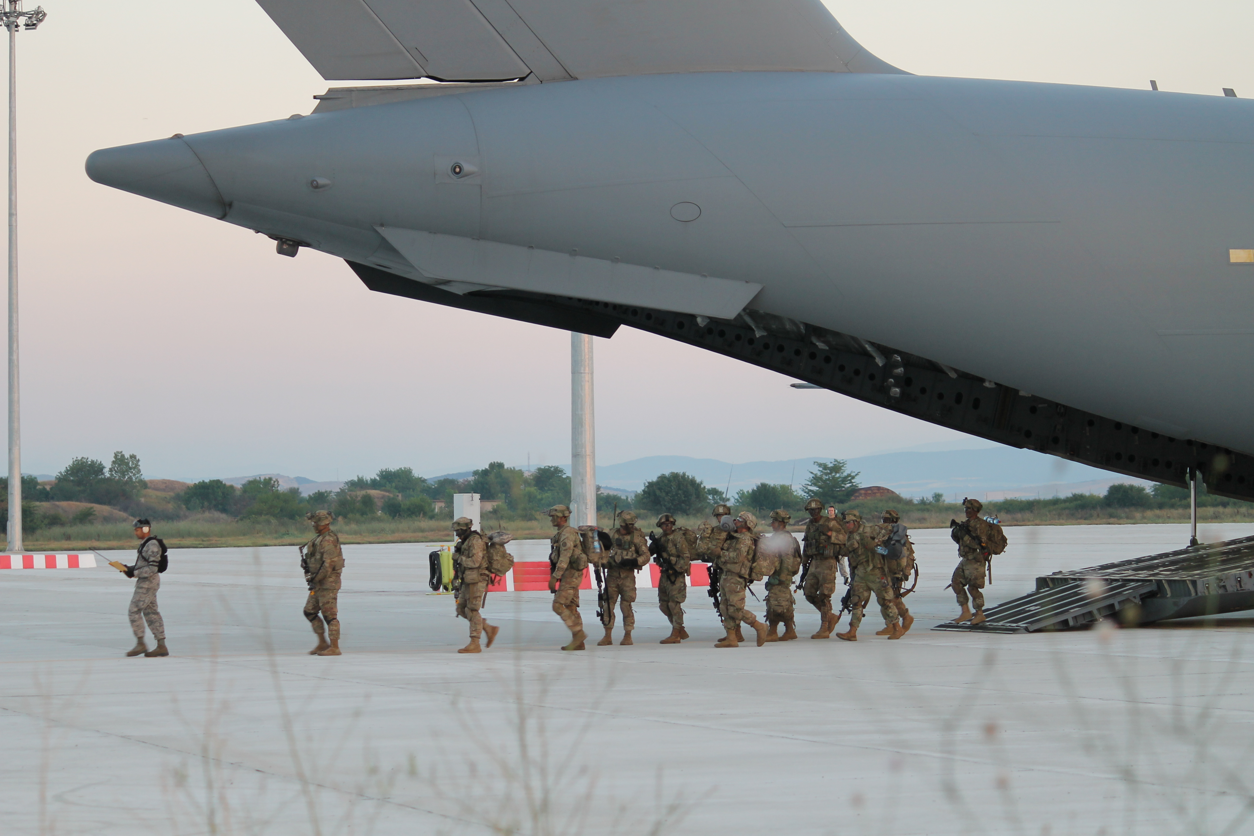 The Stryker unit exits the C-17 first, before the vehicles. (Jen Judson/Staff)