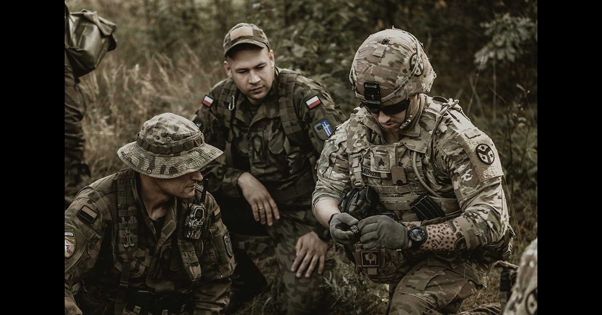 Soldiers assigned to Battle Group Poland, Task Force Raider 2/278th Armored Cavalry Regiment conduct interoperability training with the Polish Army on Sept. 12, 2018. (Tennessee Army National Guard)