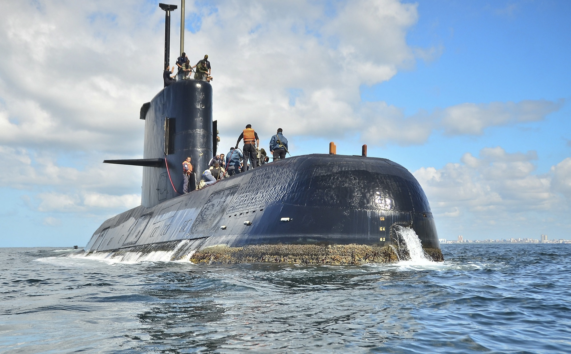 Argentina says calls did not come from missing submarine