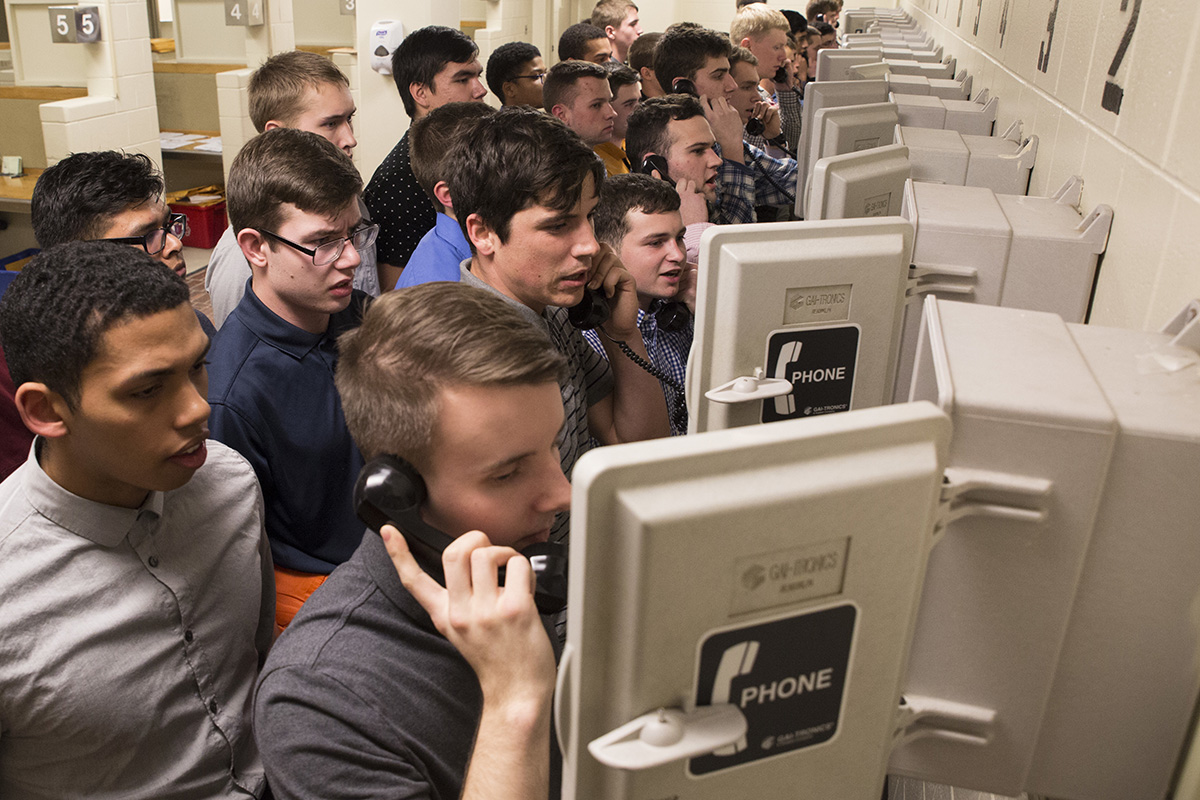 New Marine Corps recruits call their next-of- kin Jan 8, 2018, on Parris Island, S.C. Each recruit will get in contact with either their next-of-kin or their recruiter upon arrival on the depot. (Cpl. Vanessa Austin/Marine Corps)