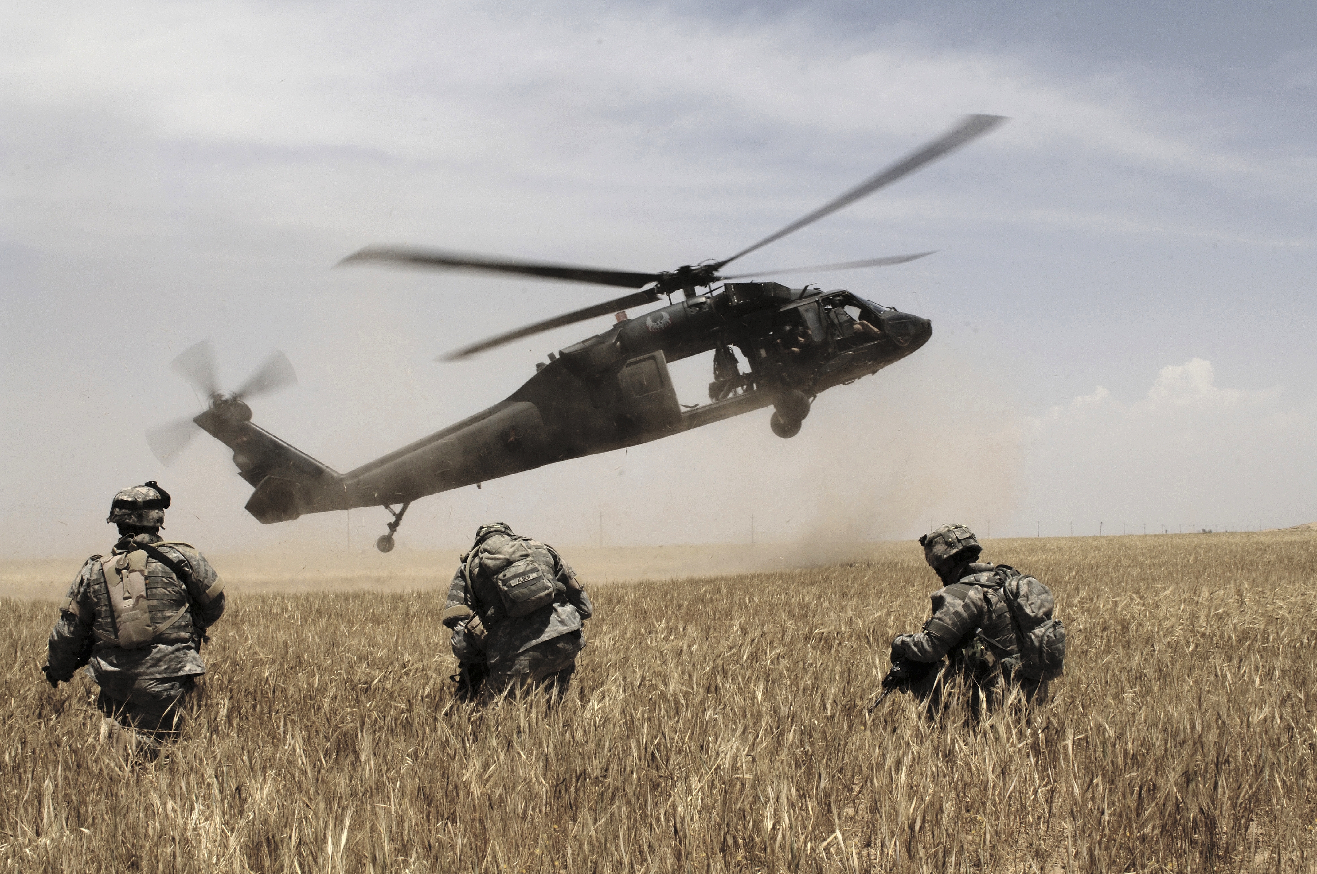 marine helicopters vietnam with 10 Big Ticket Items In The Army Budget on respond besides Bell Uh 1 Huey in addition Ah 1z Viper in addition A Us Marine Ch 46e Sea Knight moreover Marine Showdown At Dai Do Recollections Of A Green One Four Man.