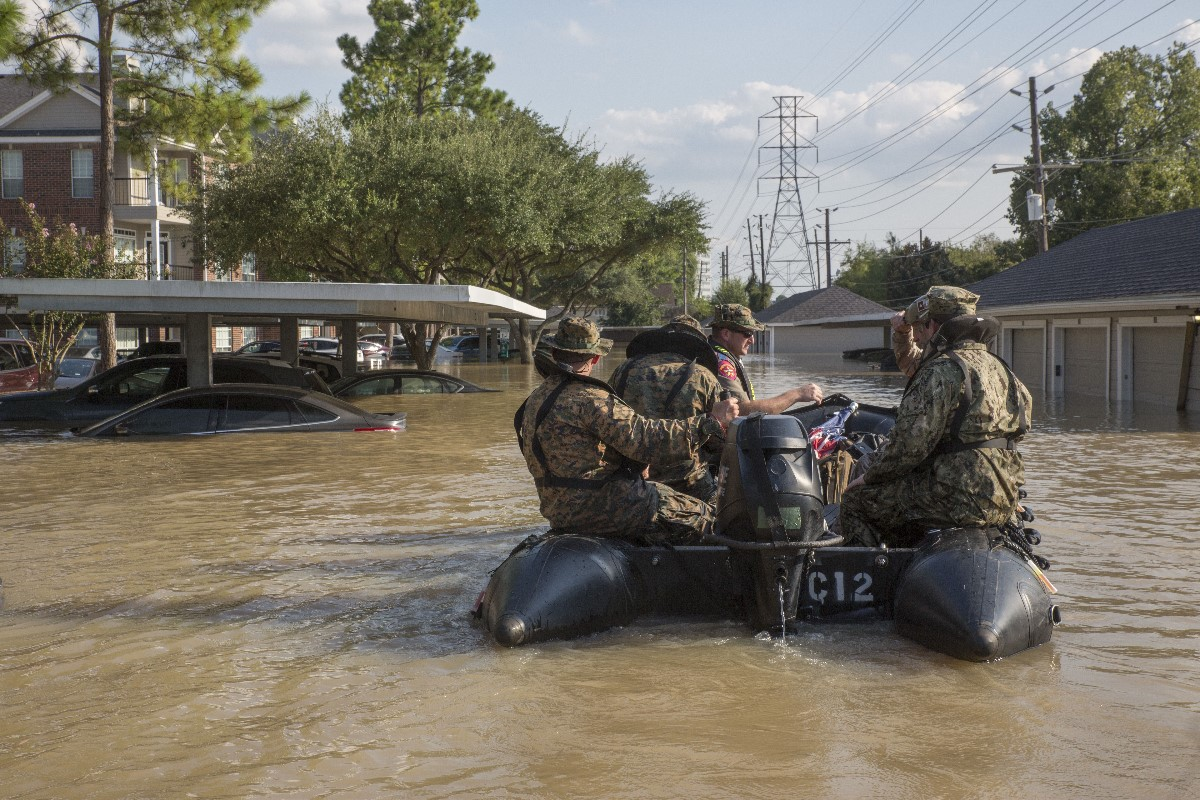 Troops who responded to hurricanes last year eligible for Humanitarian Service Medal