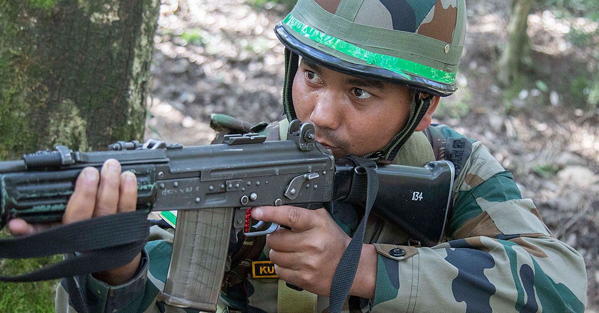 The Indian army is close to purchasing two new rifles to replace its older 1B1 INSAS weapons. (Photo from DoD)