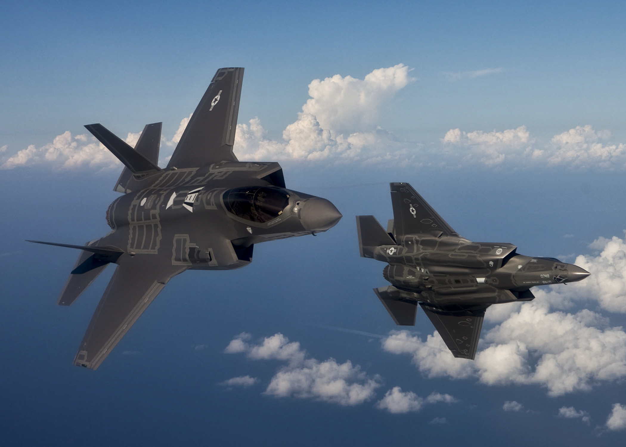F-35s at Luke Air Force Base grounded after pilots suffered oxygen deprivation